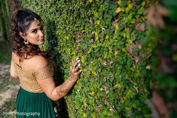 Indian bride's outdoor photography