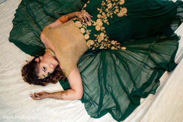 Dazzling indian bride's capture