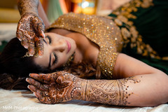 Astonishing indian bride's mehndi