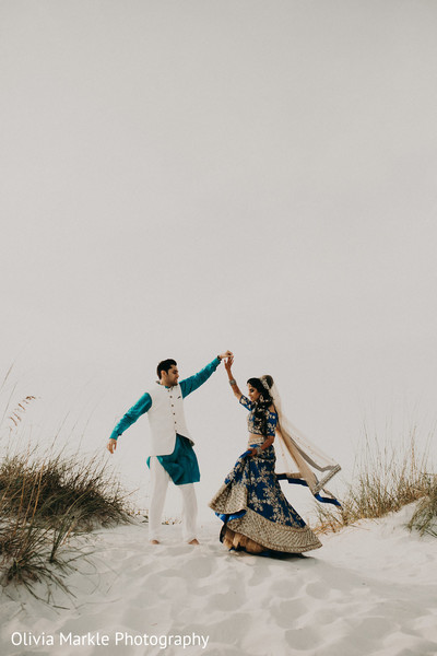 indian bride and groom,pre-wedding fashion,indian pre-wedding photography