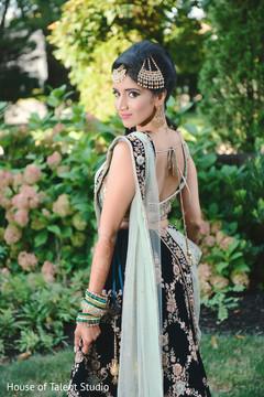 Dazzling Indian bride reception look.