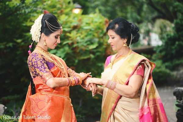 india bride,indian wedding ceremony,indian bridal fashion