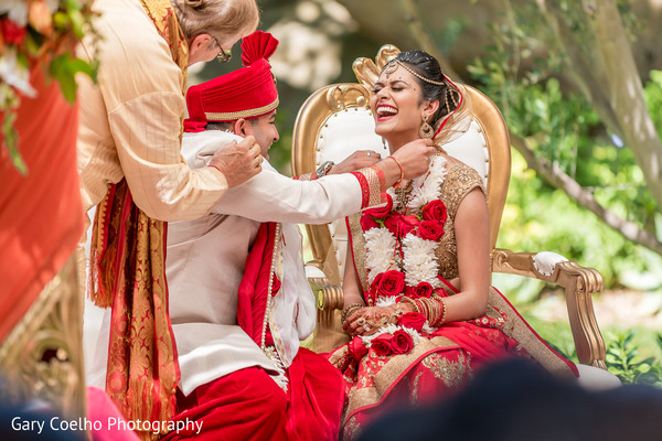 indian wedding ceremony,indian bride and groom,mangalasutra