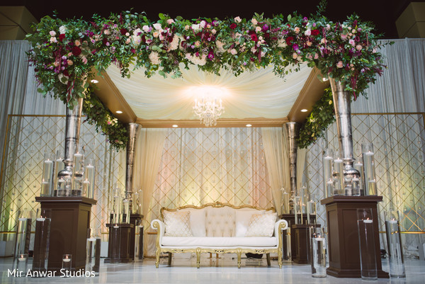 indian wedding reception,indian wedding reception floral and decor,indian wedding reception planning and design