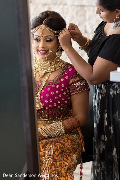 Dazzling Indian bride look.