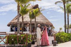 Timeless Indian wedding photo.