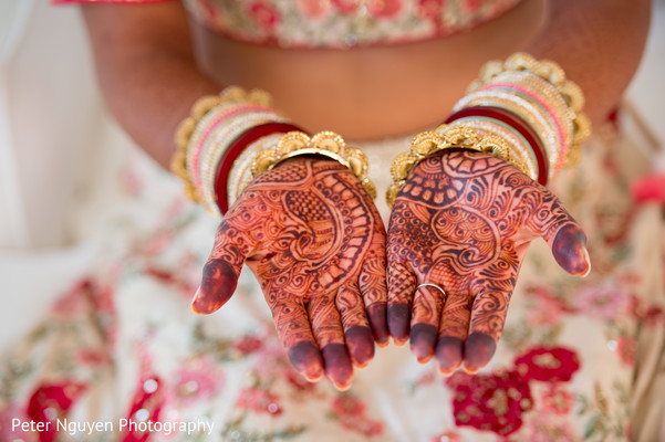 indian wedding gallery,indian bride getting ready,bridal jewelry,mehndi art