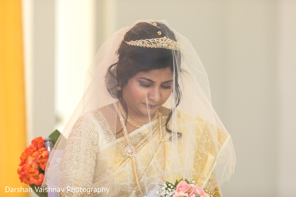 Indian bride praying capture