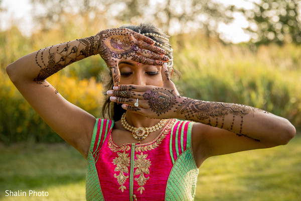 indian wedding gallery,mehndi art,indian bride