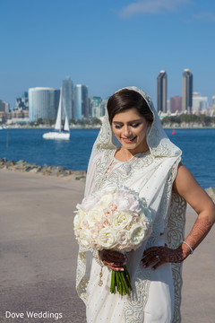 Astonishing indian bridal bouquet