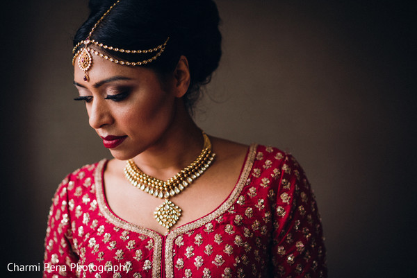 See this dazzling indian bride photo session