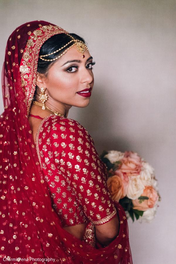 Ravishing indian bride's wedding outfit