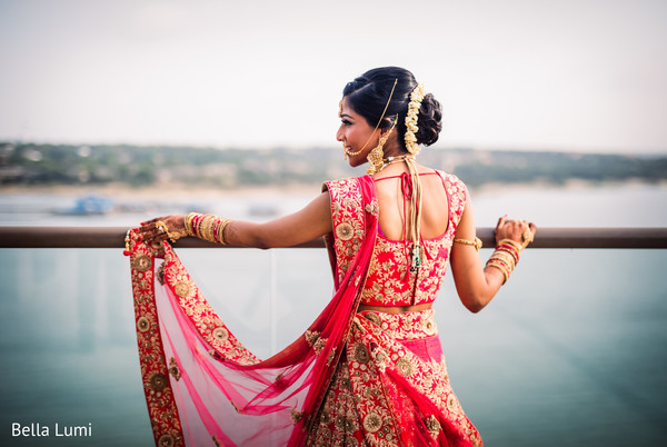 indian wedding gallery,outdoor photography,indian bride fashion,bridal jewelry