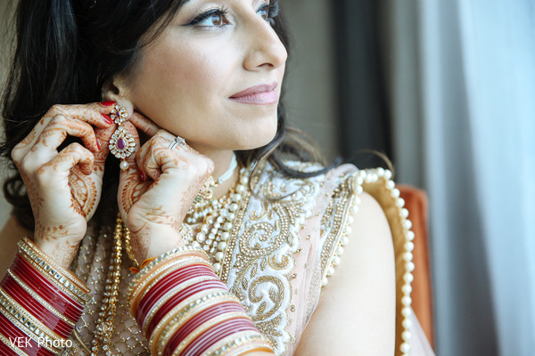 bridal jewelry,indian bride,bride bangles,indian bride accessories