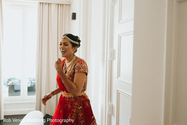 indian bride getting ready,indian bride fashion,bridal jewerly