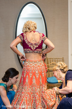 indian wedding gallery,indian bride getting ready,indian bride fashion