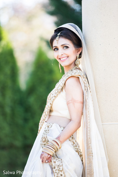 Insanely beautiful indian bride's photo session