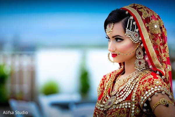 Stunning pakistani bride