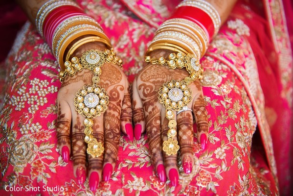indian wedding gallery,indian bridal jewelry,mehndi art,bridal bangles