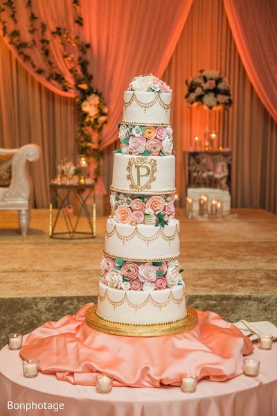 indian wedding cake design,indian wedding cake,indian wedding roses cake