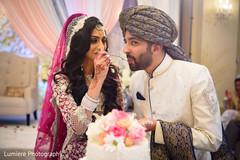 indian bride and groom,indian wedding cake,indian wedding celebration,indian wedding fashion