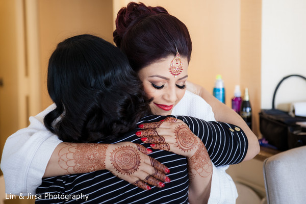 indian wedding gallery,indian bride getting ready,mehndi art,indian bride