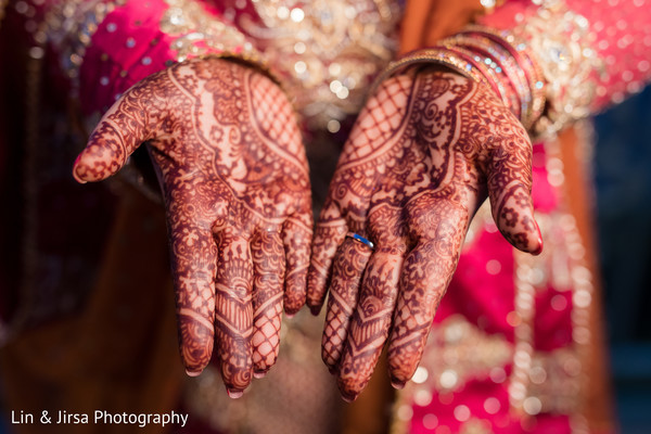 indian wedding gallery,indian bride getting ready,indian bridal mehndi