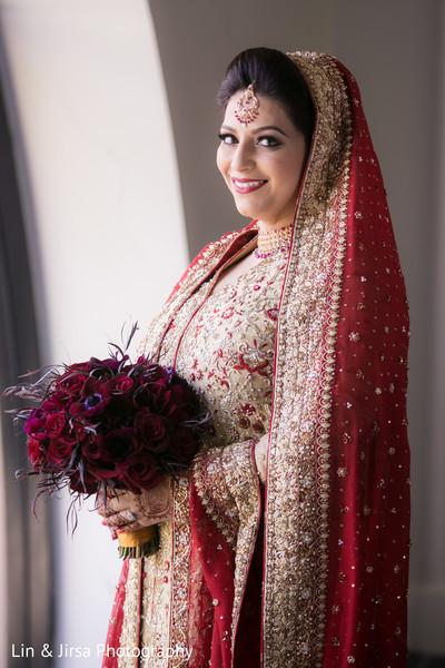indian wedding gallery,indian bride,bridal bouquet