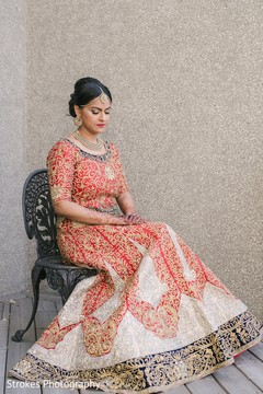 Take a look at this beautiful indian bride posing