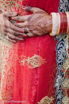 Dazzling indian bride's mehndi