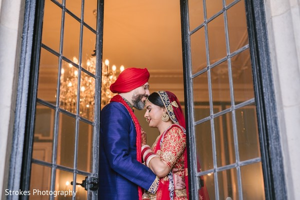 See this dazzling indian couple's photo session