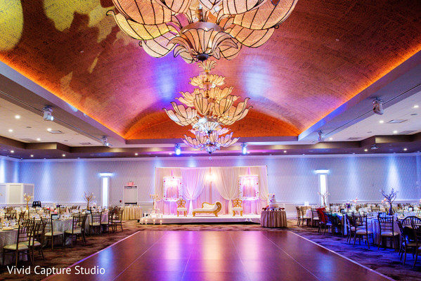 Fascinating Indian Wedding Reception Mandap Decor Photo 161211