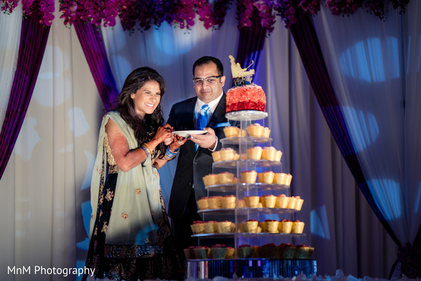 indian wedding,wedding cake
