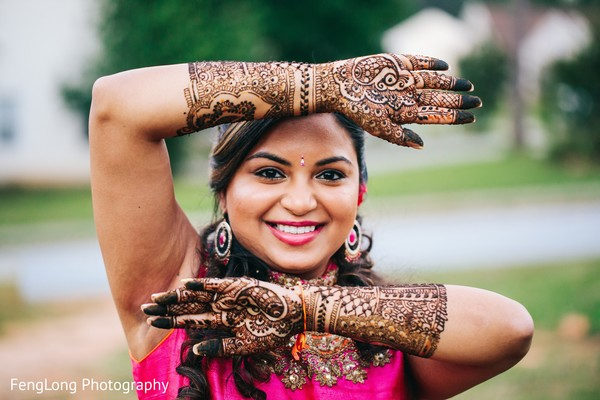 indian wedding gallery,outdoor photography,indian bride mehndi