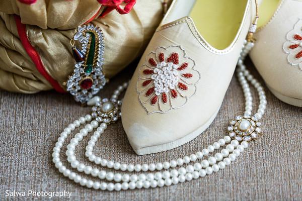 Indian groom's wedding accessories