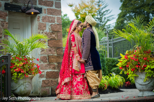 indian wedding ceremony fashion,indian bride and groom