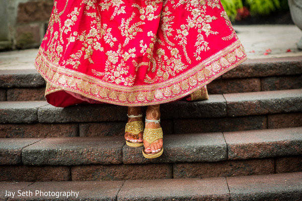 indian wedding ceremony fashion,indian bride and groom,indian wedding shoes