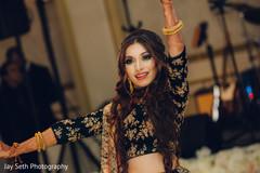 indian bride,indian wedding reception fashion,indian wedding dance