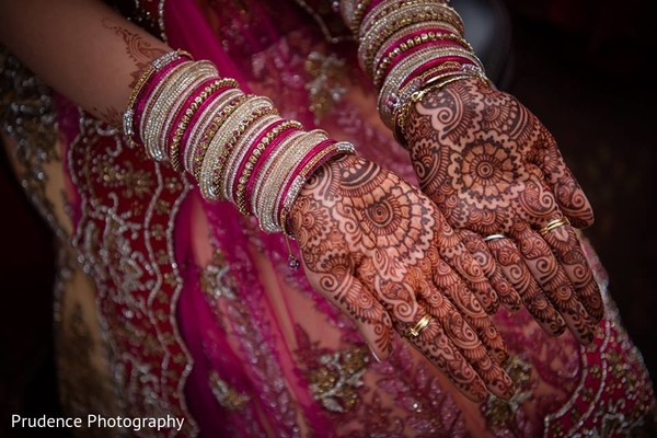 Mehndi Party Bags : Perfect indian bridal mehndi art in chicago il fusion