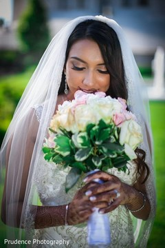 bridal bouquet,indian bride mehndi,bridal mehndi