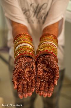 indian wedding gallery,indian bride getting ready,indian bride mehndi