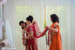 indian wedding gallery,indian bride getting ready,indian bride fashion,bridal jewelry