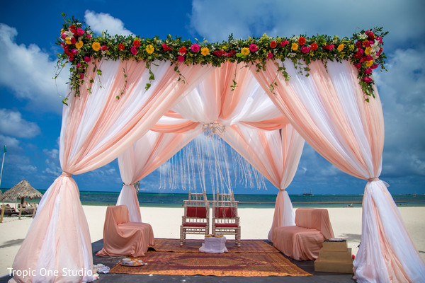 Spectacular indian wedding ceremony stage decor