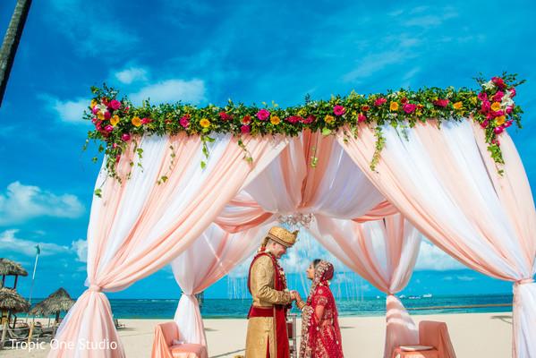indian wedding gallery,indian wedding ceremony,indian bride and groom