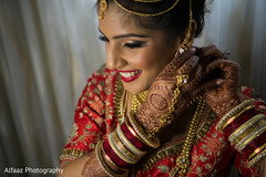 indian wedding gallery,indian bride getting ready,bridal jewelry