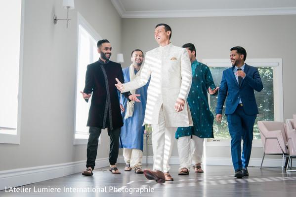 indian groom,indian groom's fashion,indian wedding fashion,indian groomsmen