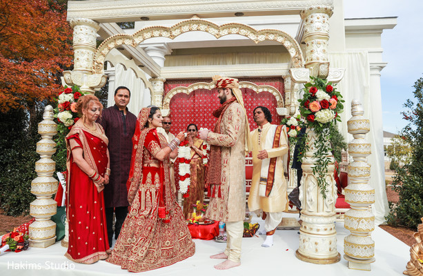 jai mala ceremony,indian wedding ceremony ritual,indian wedding details,mandap