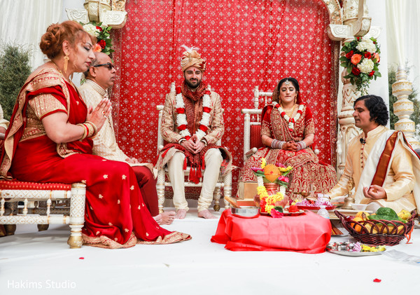 indian wedding minister,indian wedding ceremony ritual,indian wedding fashion