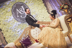 indian wedding fashion,indian bride and groom,indian wedding traditional outfits,mandap