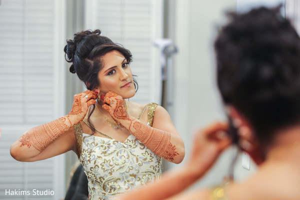 indian bride,indian mehndi art,indian bride hair and makeup